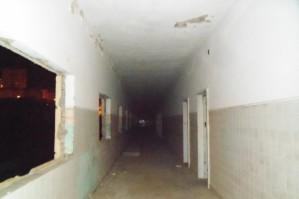 pasillo con aulas