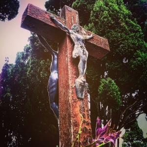 Cruz en el centro del cementerio de Tafira