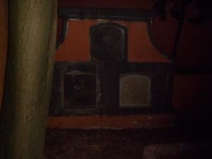Nichos en el interior del cementerio antiguo de Artenara